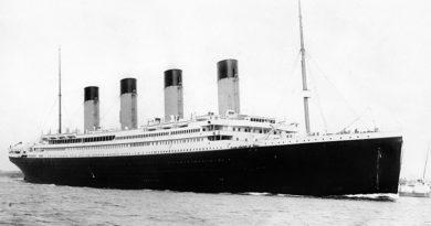 O primeiro trabalho envolvendo o Titanic surgiu quanto tempo após seu naufrágio?